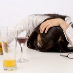 あなたは大丈夫!?アルコール依存症と症状の〇つの症状とは?