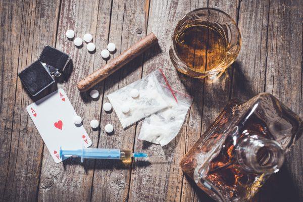 抗生物質 アルコール