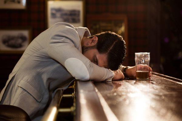 急性アルコール中毒 対処